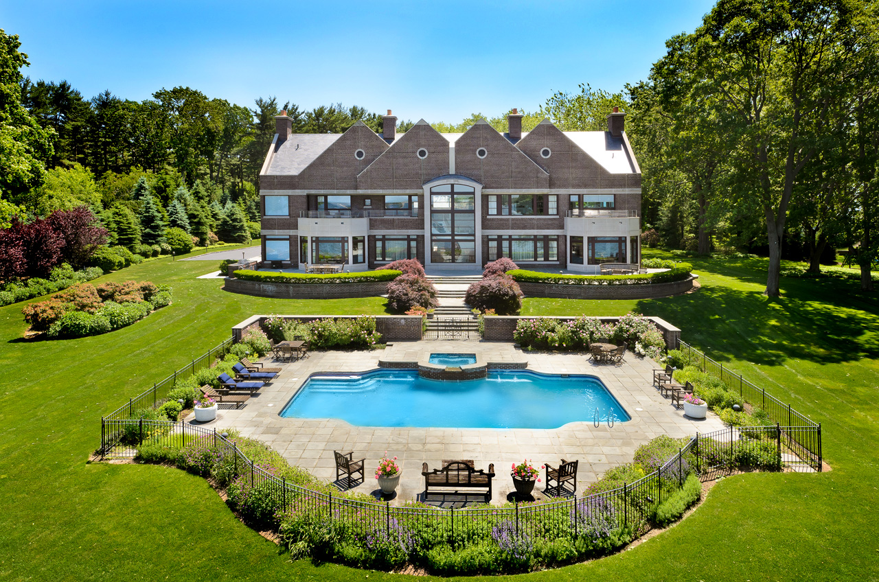 Image gallery hamptons long island homes for Long island estates for sale